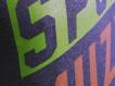 "T-shirt DM ""Motto"" grafit"